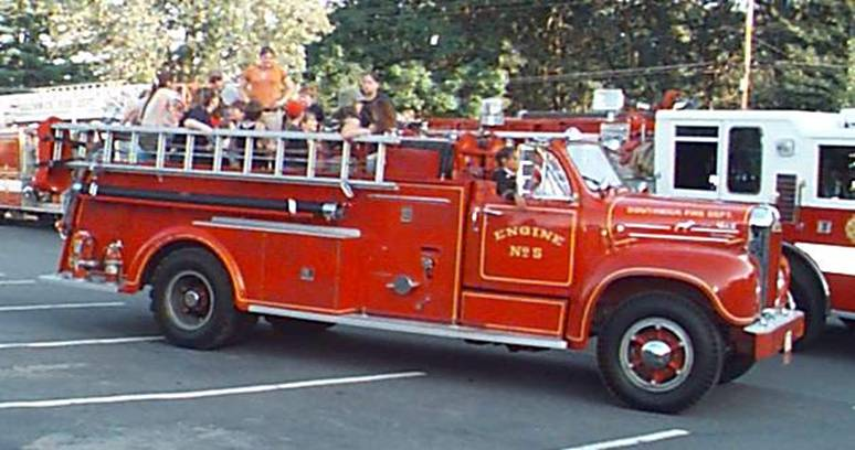 1955 Mack B-Model Pumper